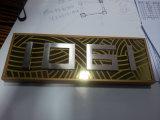Signe en laiton balayé de construction de numéro de pièce d'identification de panneau