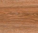 Telha cerâmica Polished vitrificada com superfície de madeira