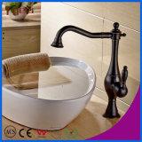 Fyeerオイルは青銅色のカウンタートップの真鍮の洗面器のコックを摩擦した