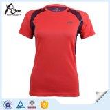 De vrouwen ontwerpen de In het groot Sportkleding van T-shirts