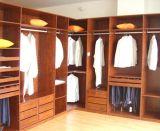 Gang in Wardrobe Walk in Robe Walk in Closet