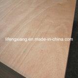 Contre-plaqué d'Okoume de qualité supérieur pour les meubles, l'emballage et la construction