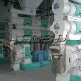 Las aves de corral del fabricante de China introducen a cadena de producción el ganado de pequeña capacidad 5-6tph línea de la alimentación