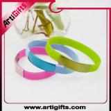 Wristband ecologico all'ingrosso personalizzato del silicone