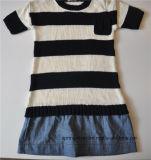 Дети замыкают накоротко сделанное по образцу втулкой платье свитера Knit цельное