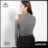 タートル・ネックによって肋骨で補強される質は女性のためのジャンパーのセーターを敬遠する