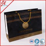 Bolsas de papel de lujo negras del portador de las compras con la maneta Twisted de oro