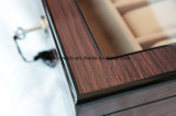 Caixa de indicador de madeira lustrosa do relógio de Brown com indicador