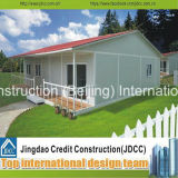 Einfach lebendes vorfabrizierthaus installieren