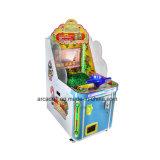Эксплуатируемая монетка игры ребенка видео- ягнится машины игры викторины
