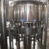 Remplissages de l'eau ou machine de remplissage
