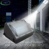 IP65はガラス屈折器のためのLED Wallpack軽い40With60Wを防水する