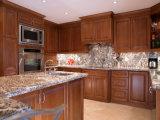 Armadio da cucina classico di legno solido con l'armadio da cucina modulare di legno solido di formato di stile di Designeuropean della cremagliera del vino della cucina classica di legno solido