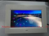 Reloj de alarma de escritorio casero del LCD