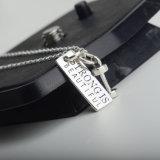 O pendente do Dumbbell do esporte da forma gravou a jóia da prata 925 esterlina