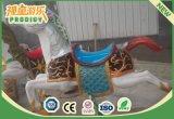 Das im Freienfröhliche Spielplatz-Karussell gehen Umlauf-Pferden-Maschine für Kinder