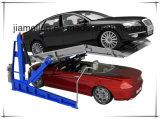 Il parcheggio dell'automobile di inclinazione alza un garage automobilistico dei due alberini