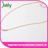 真珠の女性のための吊り下げ式のネックレスの金の鎖のネックレス
