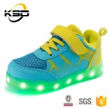 25-37 USB 책임 케이블에 의하여 LED 위로 농담을 한다 아이들 옥외 운동 단화를 위한 단화가 점화한다