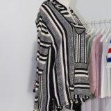 Chaqueta del suéter de Hoodie de las mujeres en el diseño pesado de Intarsia del calibrador con las fundas y los bolsillos largos