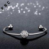 De hete Armband van uitstekende kwaliteit van de Chrysant van de Verkoop Zilveren Geplateerde voor Meisje