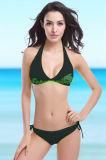 Reizvoller klassischer Dreieck-Bikini für Dame