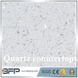 Bancadas disponíveis brancas de quartzo de Calacata com tamanho personalizado