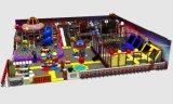 Campo de jogos elétrico da criança do campo de jogos interno