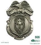 Goldmetallmilitärabzeichen mit Militär-Entwurfs-ReversPin