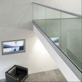 壁の台紙12-19mmの緩和されたガラスのUチャンネルの手すり