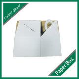 Weiße Cardbaord verpackentortenschachtel mit Griff