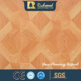 suelo de madera laminado fonoabsorbente grabado AC4 del roble de la nuez E0 de 12.3m m