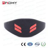 MIFARE più il Wristband nero del silicone di RFID nella figura della vigilanza