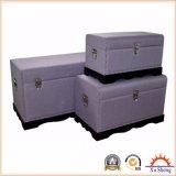 アクセントの装飾的で大きい曲げられたリネントランク-紫色