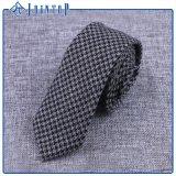 A gravata do estoque de lãs dos melhores homens bem escolhidos