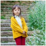 ウールの女の赤ちゃんは販売のための女の子の冬のコートに着せる