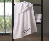 ホテルの浴室タオルの刺繍のロゴ、140X70cm 32s 500gのホテルの浴室タオル