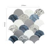 Hojas de cristal del azulejo de mosaico de Backsplash del gris de plata de Mirron de la escala de pescados
