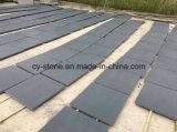 Basalte chinois rectifié/sablé, obscurité de Hainan, basalte foncé pour l'étage/mur/machine à paver