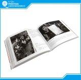 Книжное производство фотоего черноты совершенной вязки белое