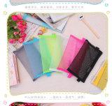 Trousse d'écolier en plastique de sac de maille de couleur bon marché faite sur commande de sucrerie