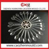 プラスチック注入の食事用器具類テーブルウェアか使い捨て可能なスプーンの鋳造物