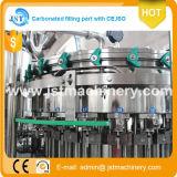 Chaîne de production remplissante de l'eau carbonatée