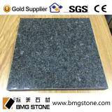 Der zurechtgeschnittene China-Eis-Blau-Granit deckt Countertop mit Ziegeln