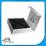 光沢がある銀製ペーパー塗られたボール紙の腕時計の化粧品かチョコレート宝石類のギフト用の箱