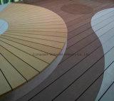 Decking ao ar livre vermelho de Moistureprood do composto 137 plásticos de bambu contínuos