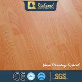 コマーシャル8.3mm E1 AC3のクルミのU溝がある木製の木の薄板にされた積層のフロアーリング