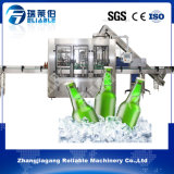 機械装置か機械またはプラントまたは生産ライン満たすポートワインまたは赤ワインのびん