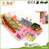 A fibra de vidro plástica da corrediça do campo de jogos interno da casa do jogo do papel brinca a rede do arco-íris