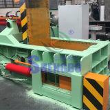 Hydraulische automatische Stahlschrotte, die Maschine (seitliches, emballieren Außstoßen)